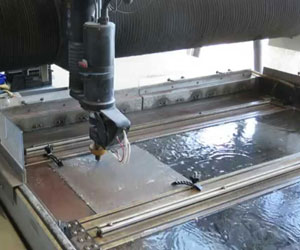 Water-cutting-of-stainless-steel-plate
